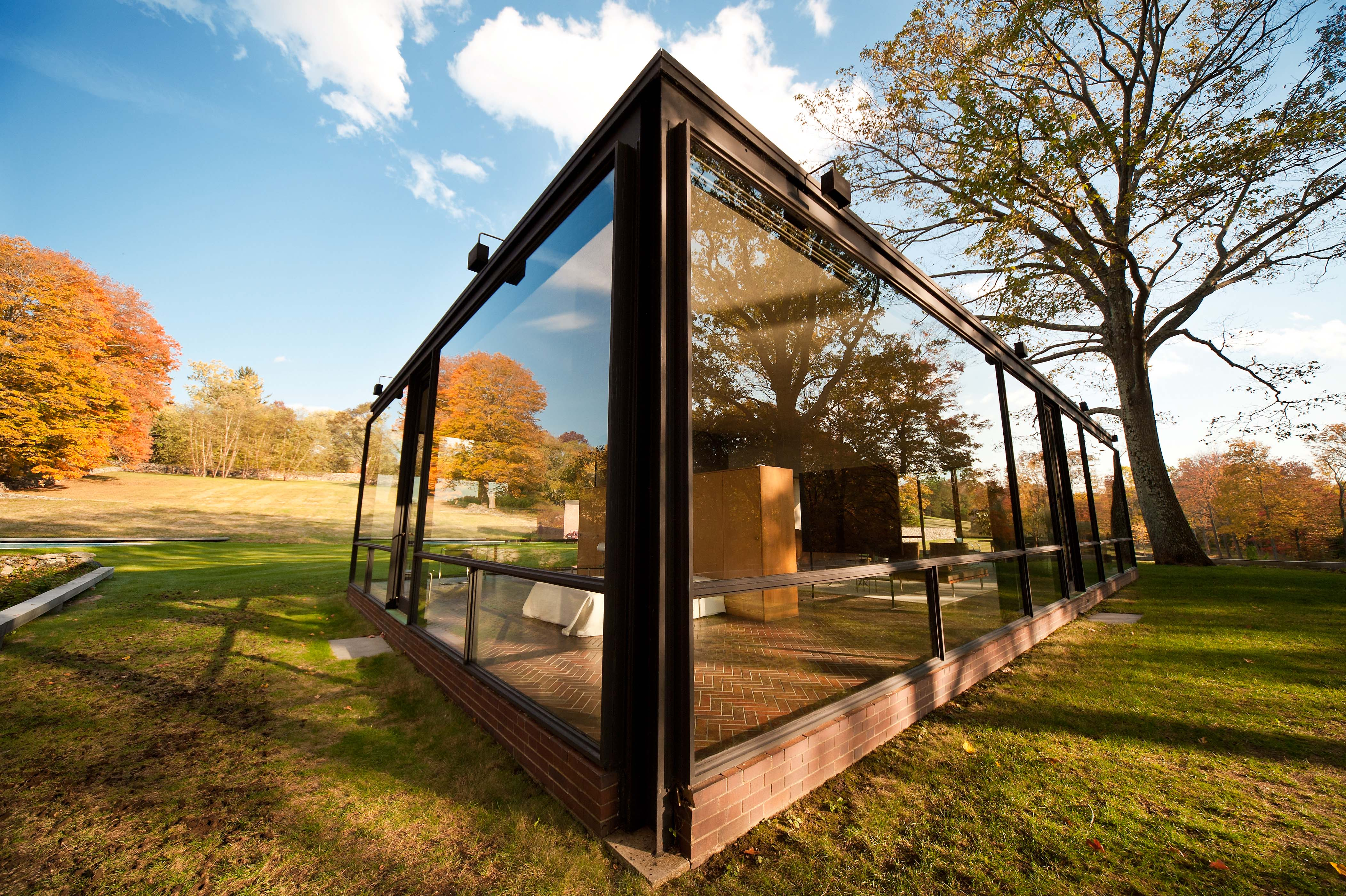 philip johnson s glass house blake robinson 39 s blog. Black Bedroom Furniture Sets. Home Design Ideas
